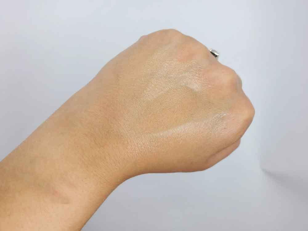 Ilia-True-Skin-Serum-Foundation-Swatch