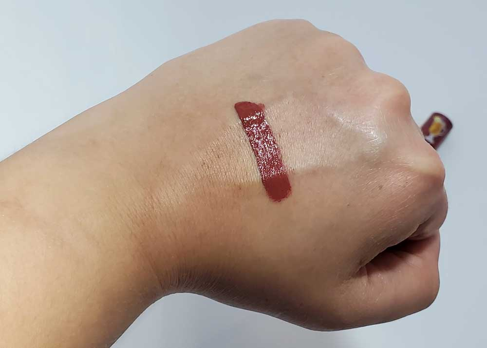 too faced melted matte hot toddy swatch